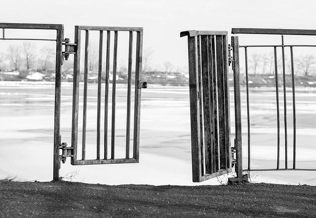 gate-1661142_640